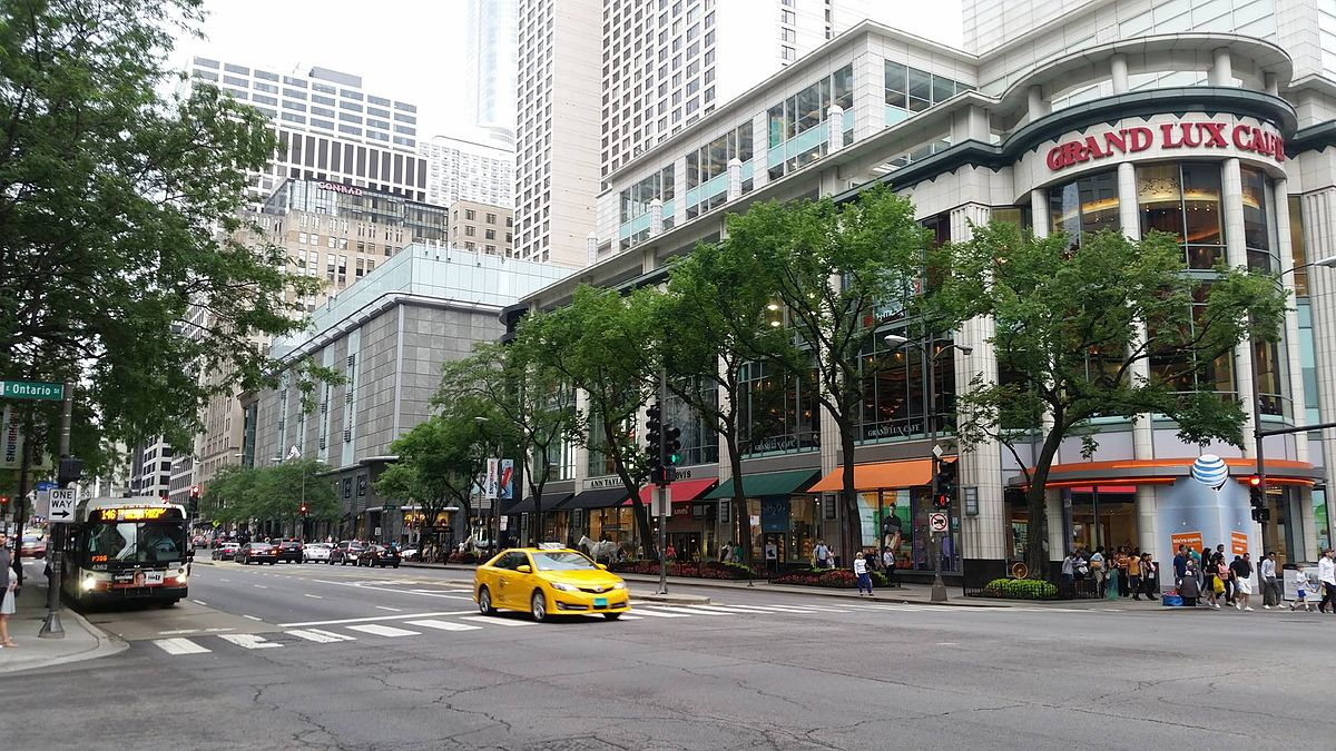 Michigan_Avenue_-_Chicago