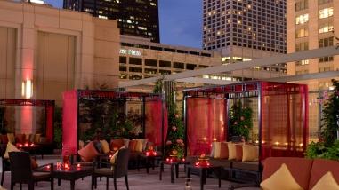 The-Peninsula-Chicago-Wedding-Terrace-Night-1