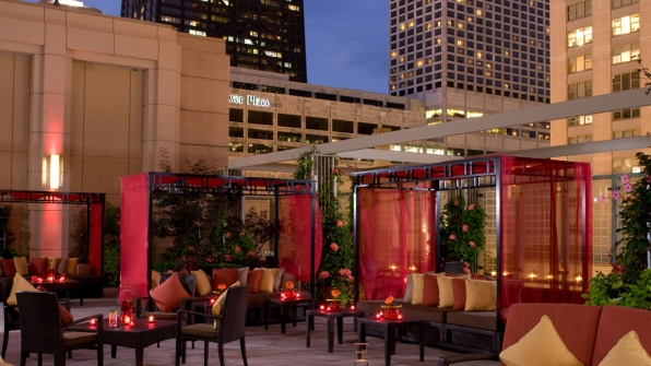 The-Peninsula-Chicago-Wedding-Terrace-Night-1